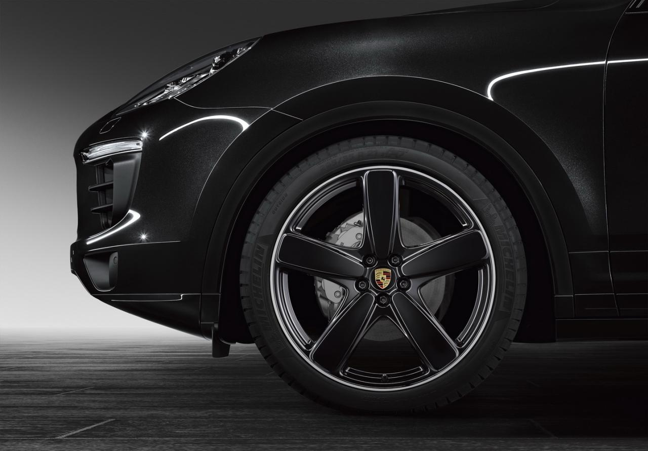Porsche Exclusive Has Fresh Goodies for the Macan Cayenne