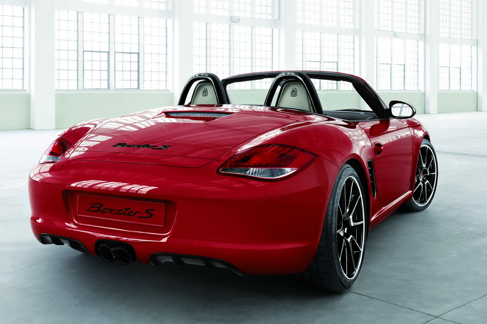 Porsche Introduces New Boxster And Cayman Personalization