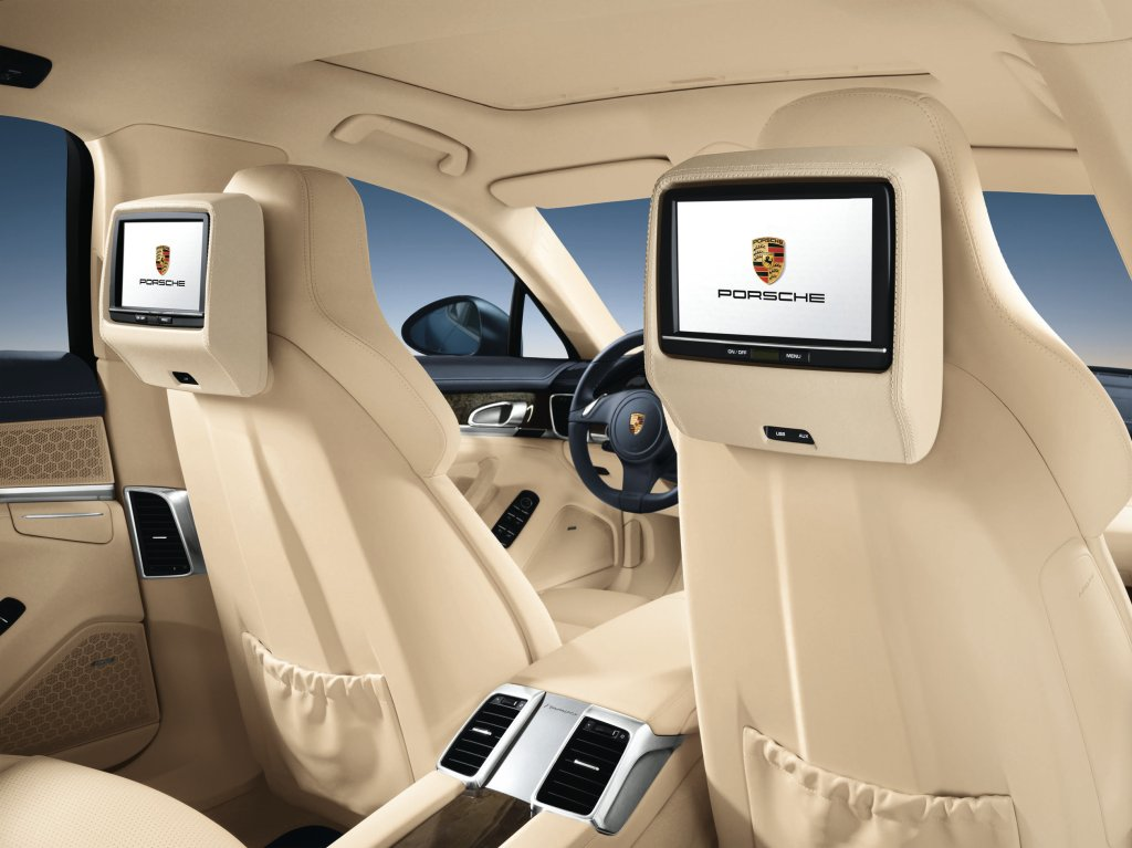 Porsche panamera interior officially revealed autoevolution for Interieur voiture de luxe
