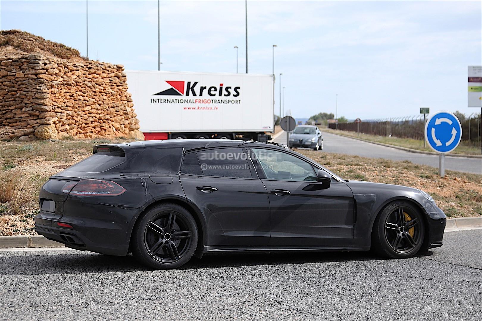 Porsche panamera shooting brake spied looks as you 39 d expect autoevolution
