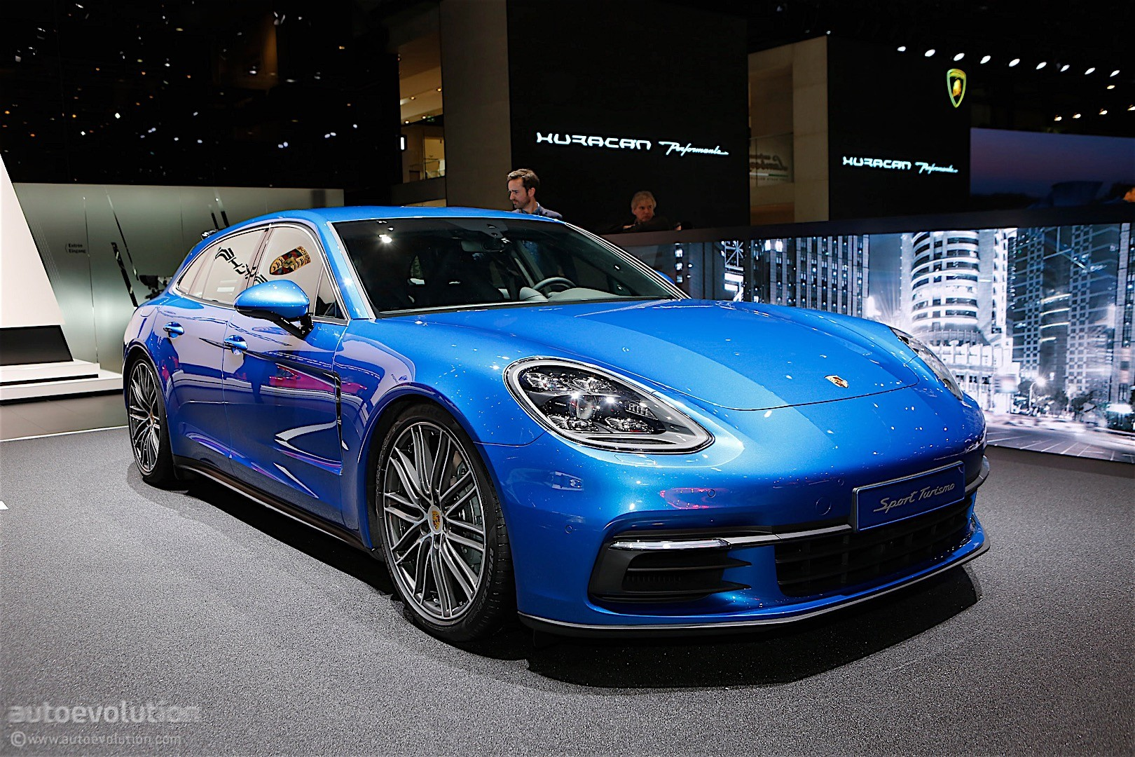 porsche panamera sport turismo shows up in geneva looks great autoevolution. Black Bedroom Furniture Sets. Home Design Ideas