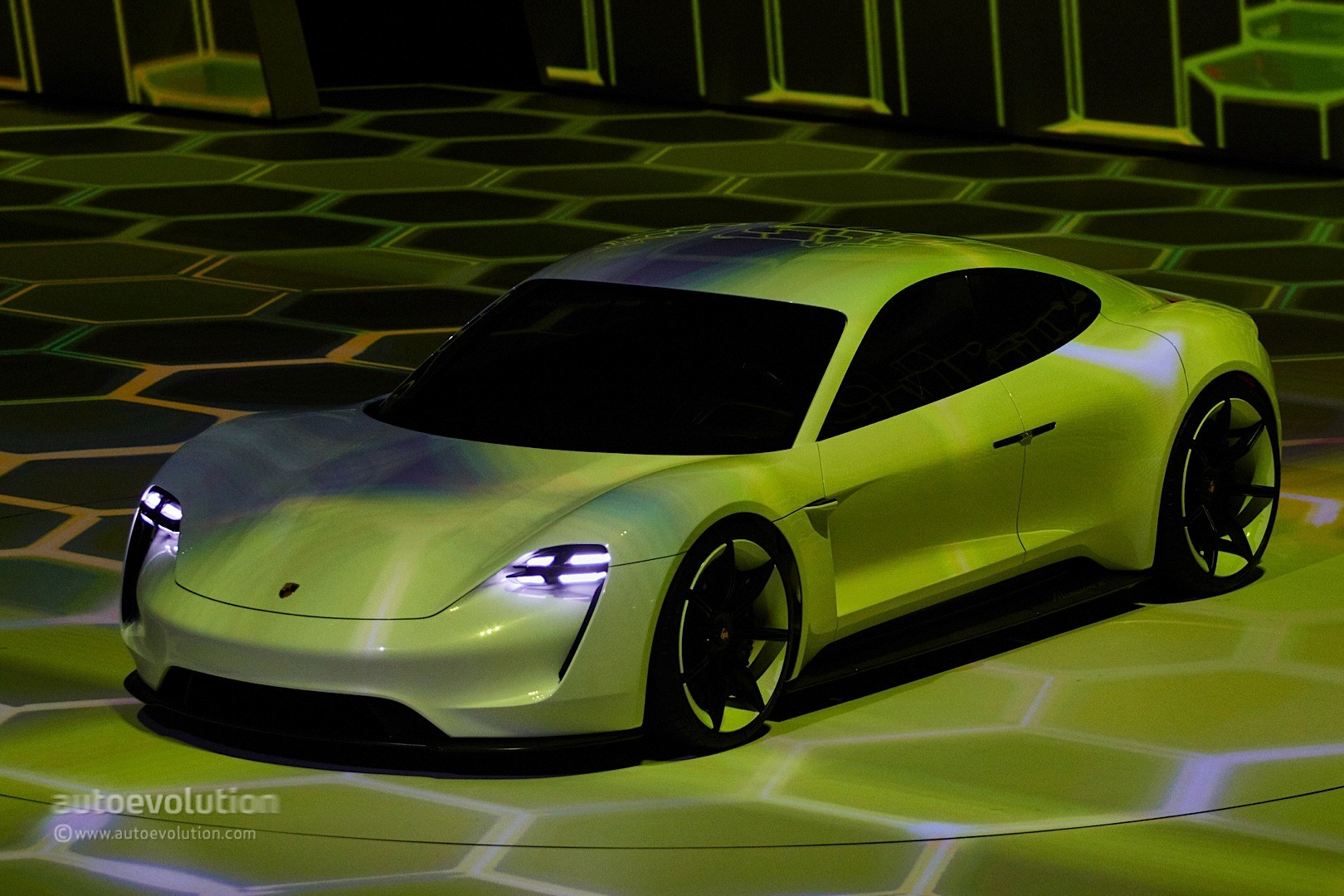 porsche mission concept electric production mop any horses revealed tesla wants floor its autoevolution coming gets frankfurt mashup fascia makes