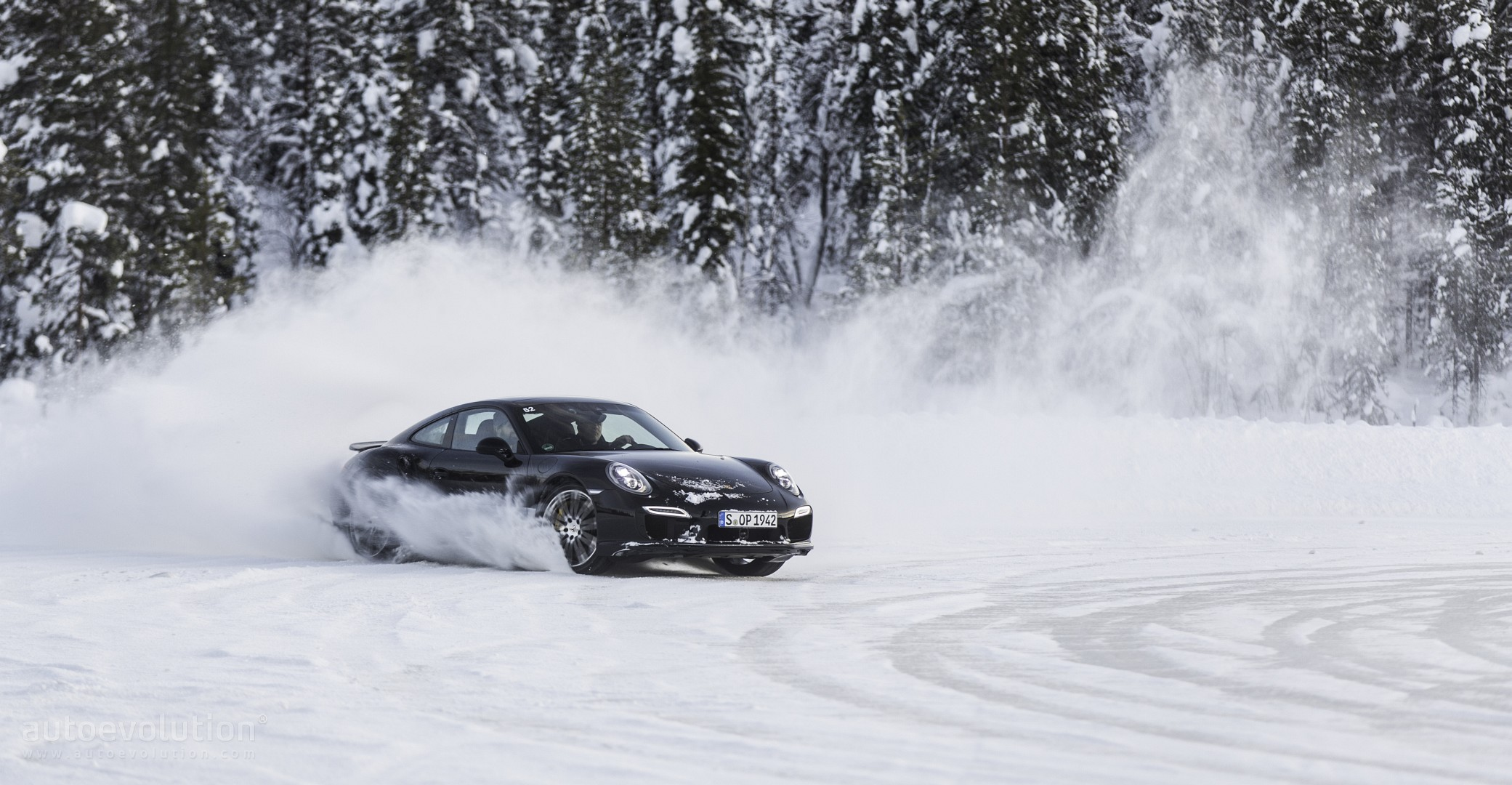 porsche winter driving experience may the ice force be. Black Bedroom Furniture Sets. Home Design Ideas