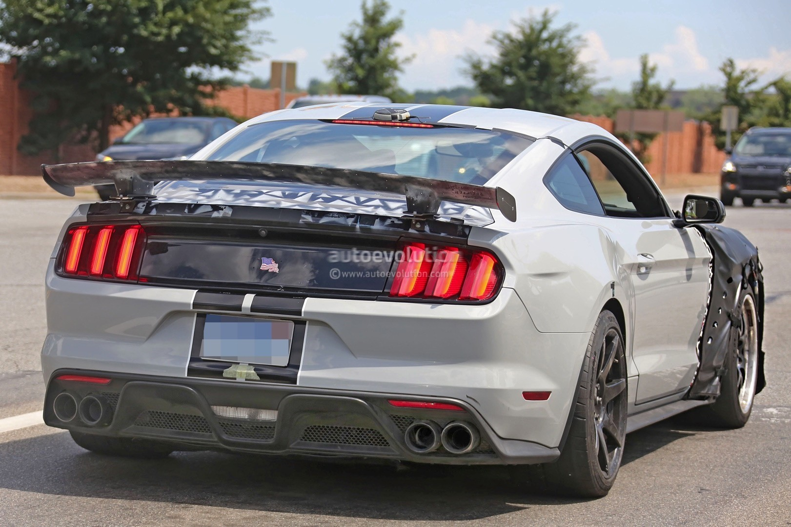 Possible 2019 Shelby Gt500 Mustang Spied Flaunting Front