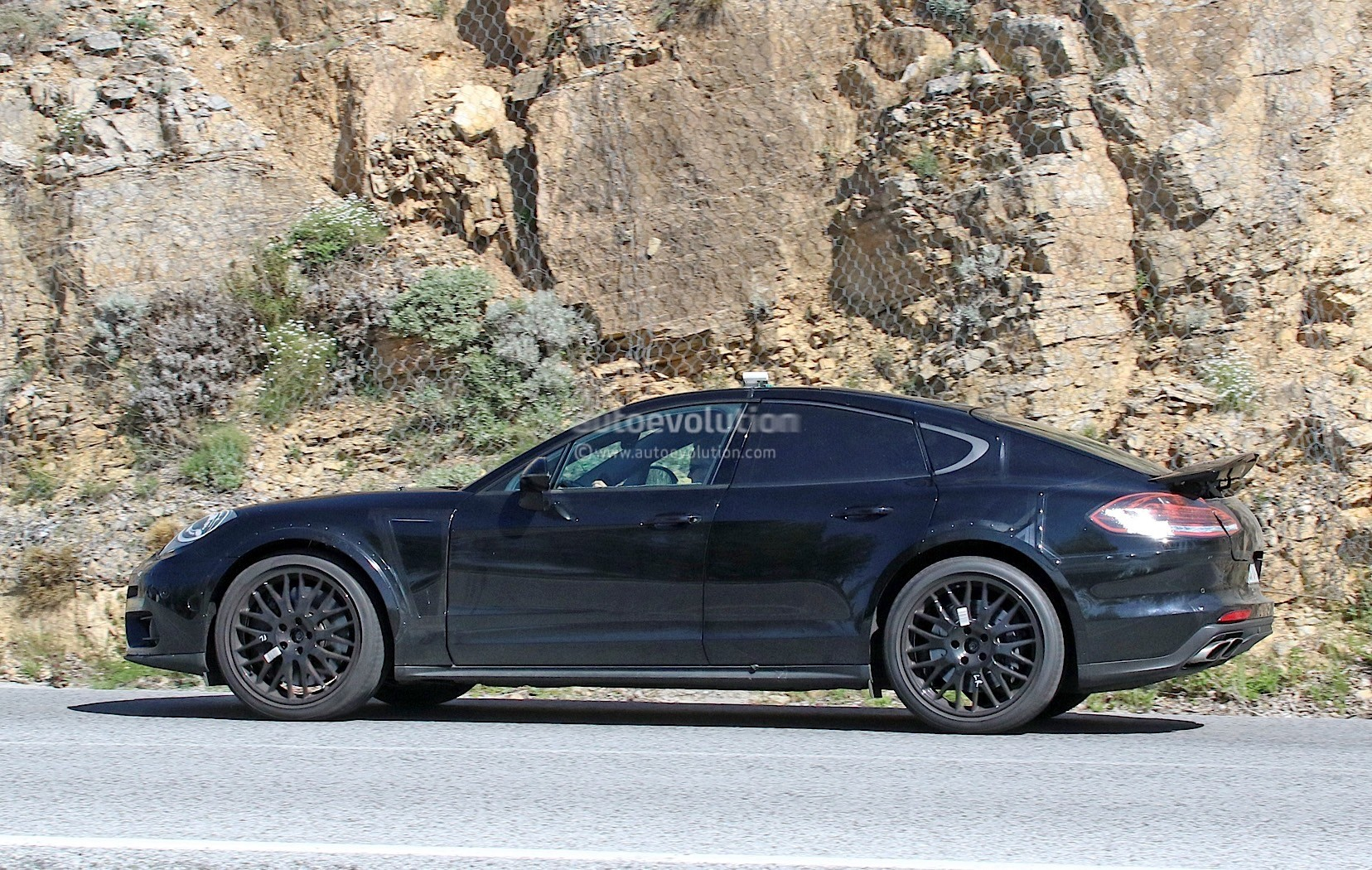 Electric Kids Cars >> 2018 Porsche Panamera-Based Coupe Spied For the First Time - autoevolution