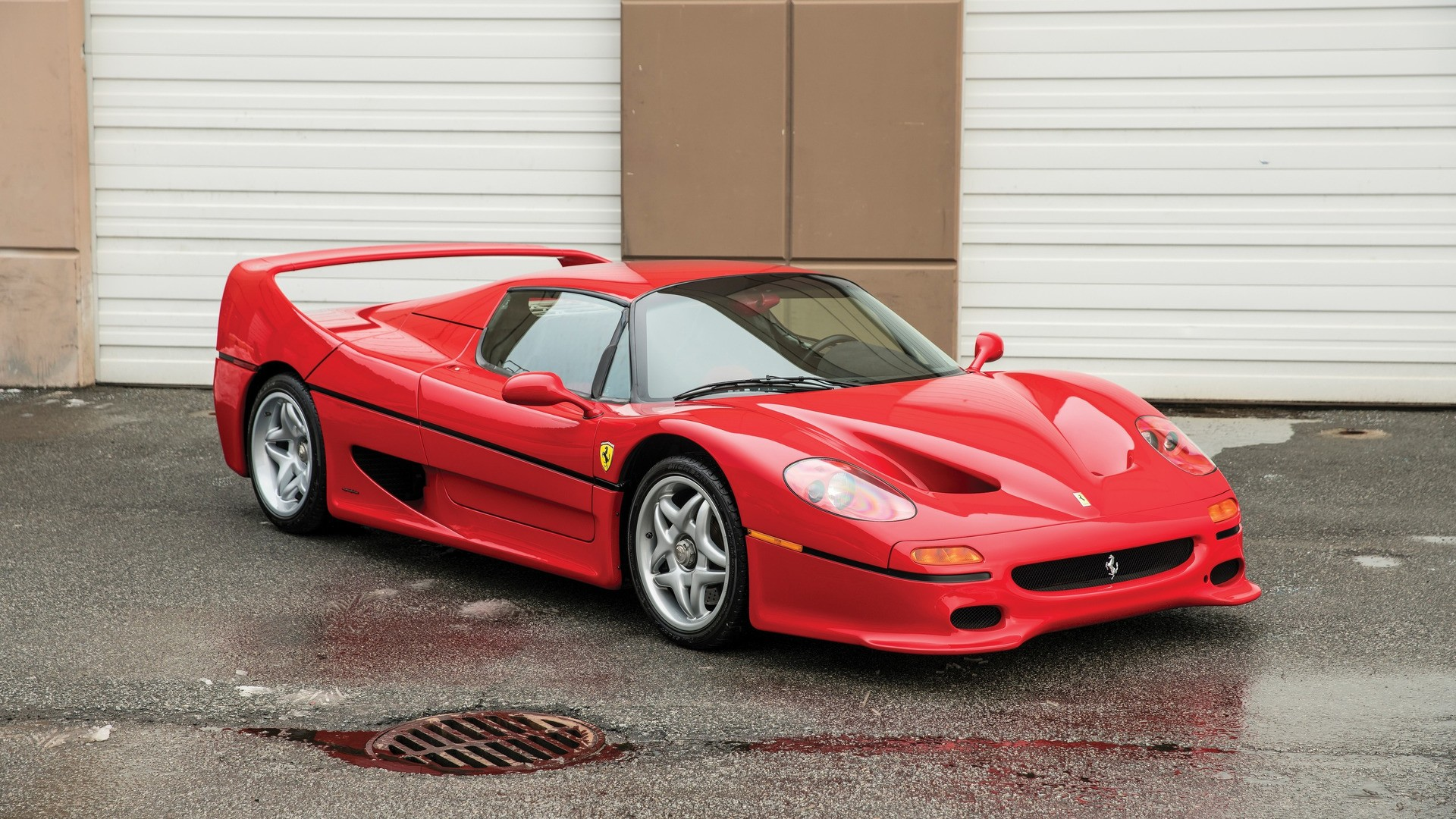 Ferrari f50 crashed by magnates son autoevolution 1995 ferrari f50 owned by mike tyson vanachro Image collections