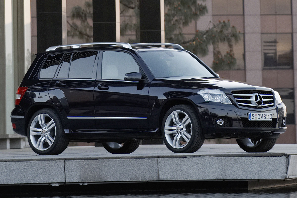 pricing announced for the mercedes glk autoevolution. Black Bedroom Furniture Sets. Home Design Ideas