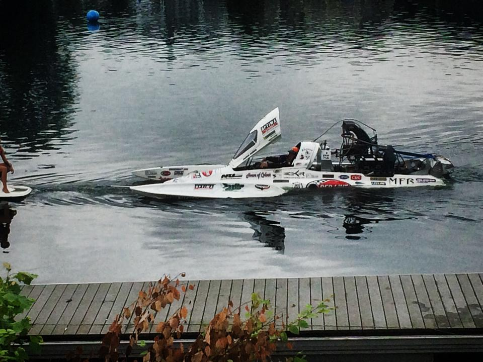 """Problem Child"""" Top Fuel Dragster Boat Is 262 MPH Insanity ... Fastest Speedboat In The World"""