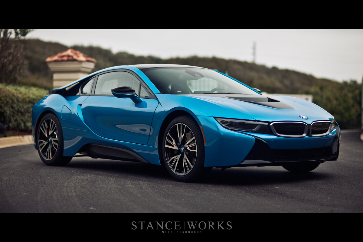 Protonic Blue Bmw I8 Poses For Breathtaking Shots Autoevolution