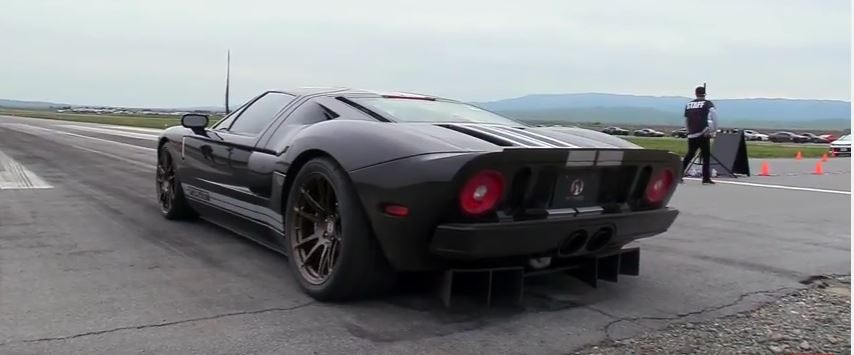 Pumped Up Ford Gt Hits  Mph In Half Mile Run That Ends In