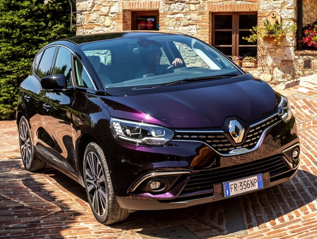 purple renault scenic initiale paris is still a looker autoevolution. Black Bedroom Furniture Sets. Home Design Ideas