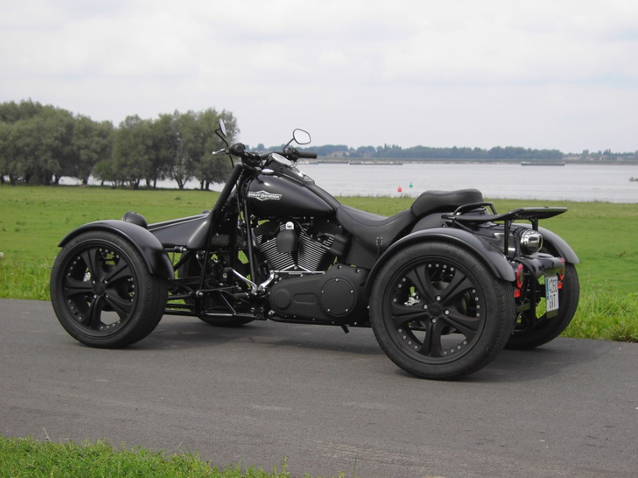 q tec quad and trike conversion kit for harley bikes autoevolution. Black Bedroom Furniture Sets. Home Design Ideas