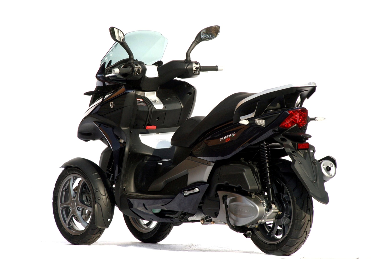 Porte paquet top case and cie Quadro-350s-the-new-3-wheel-scooter_4
