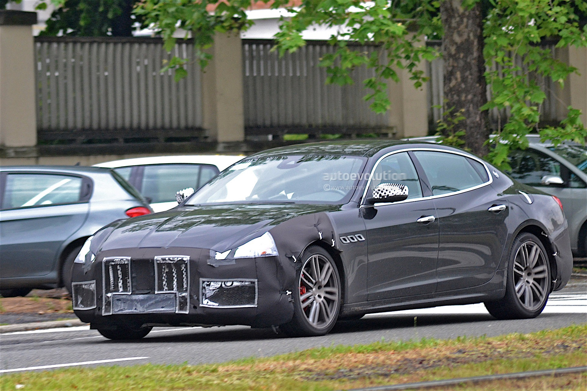 maserati testing 2017 quattroporte facelift with less