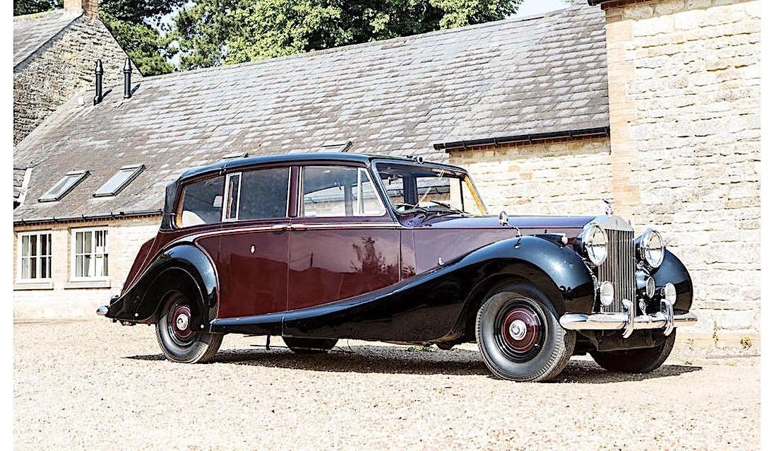 Queen's 1950 Rolls-Royce Phantom IV State Landaulette is ...