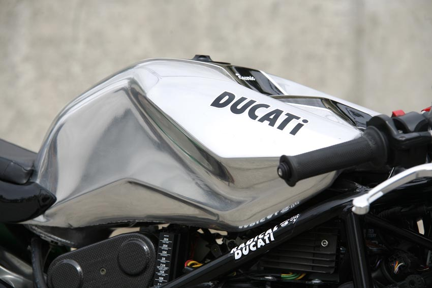 Radical Ducati Raceric Custom Cafe Racer Presented