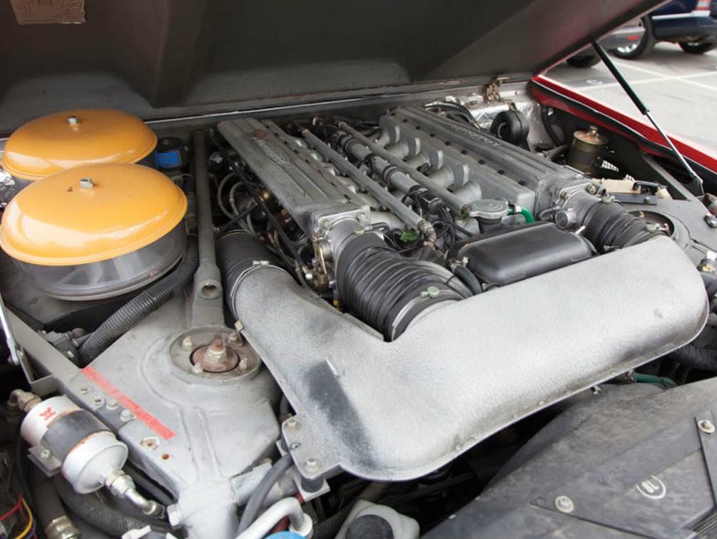 Двигатель Ламборджини LM002