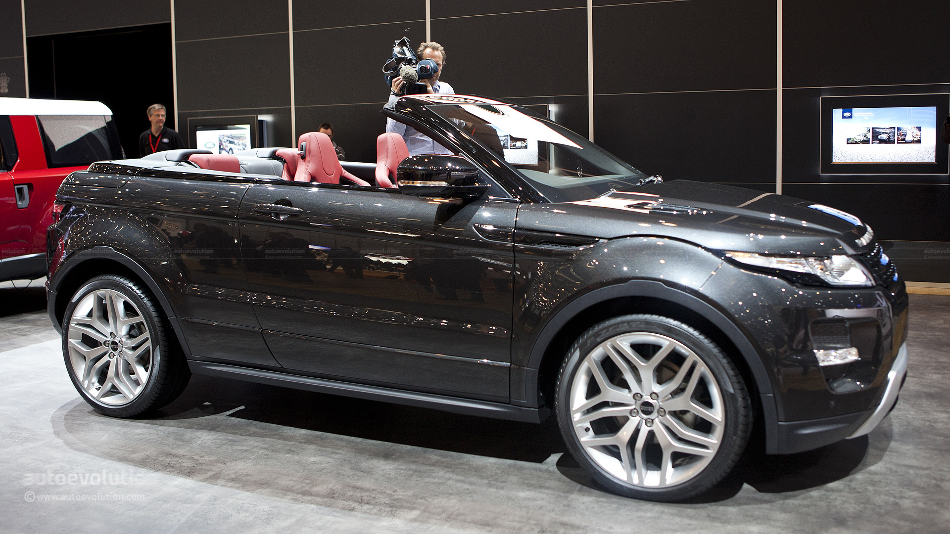 lastcarnews range rover evoque cabrio could be ready in 2015. Black Bedroom Furniture Sets. Home Design Ideas