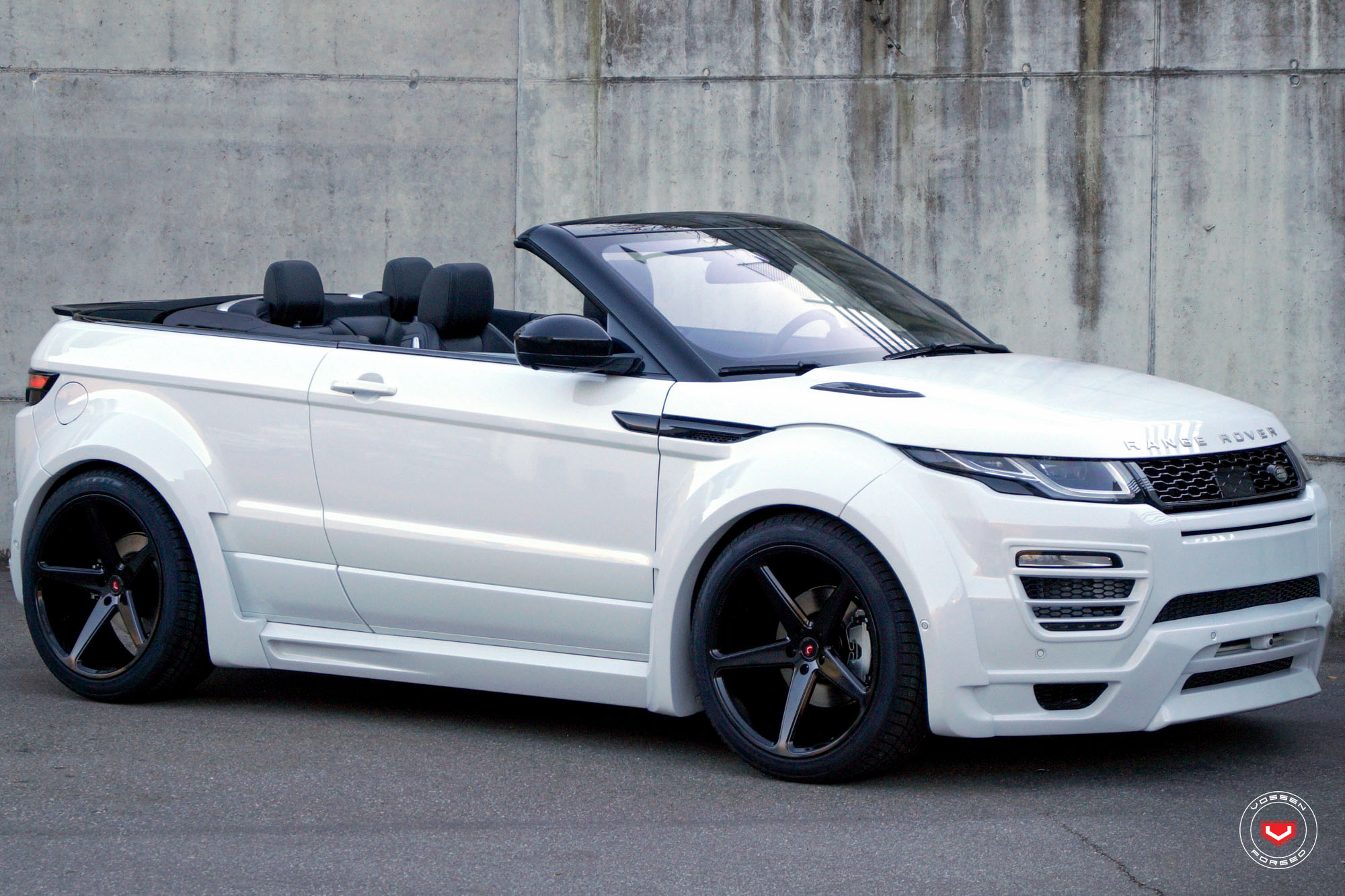 range rover evoque cabrio with widebody kit rides on. Black Bedroom Furniture Sets. Home Design Ideas