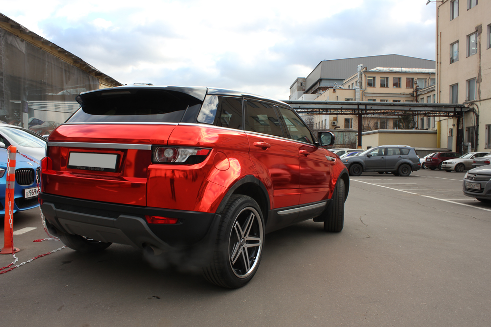 Range Rover Evoque Gets the Red Chrome Treatment in Russia - autoevolution