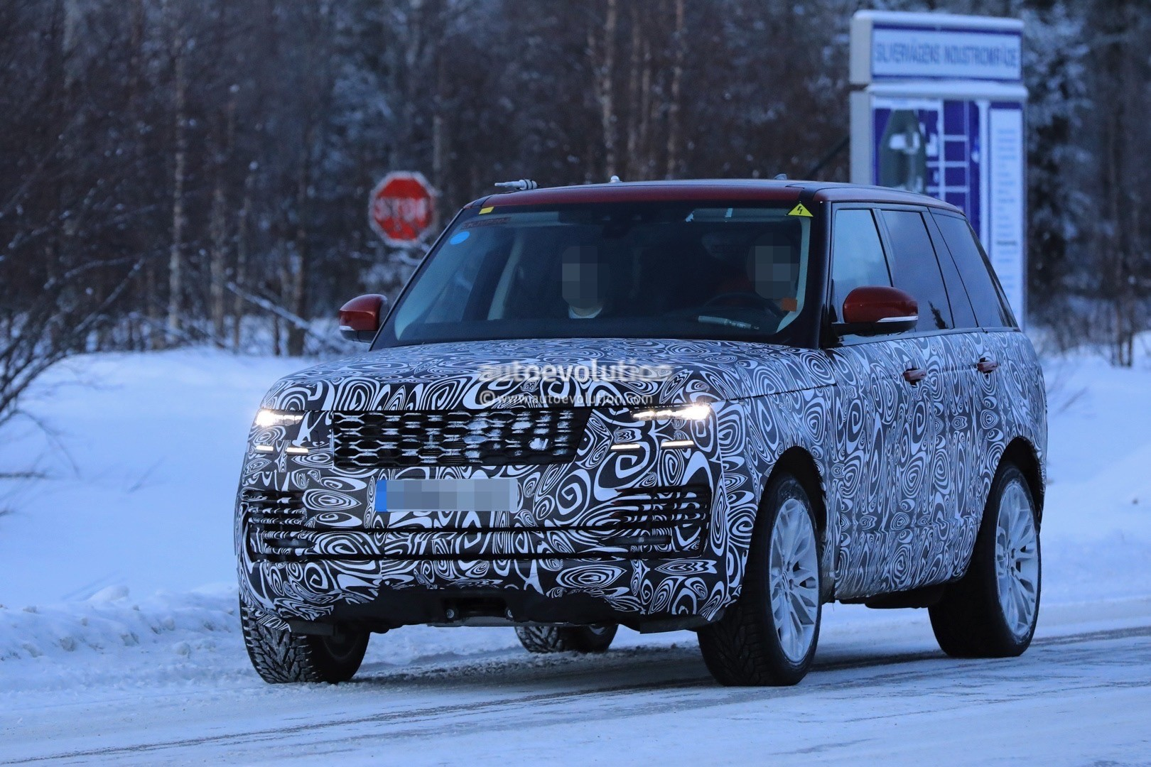 2018 land rover facelift. plain rover pics incoming 2018 range rover  on land rover facelift o