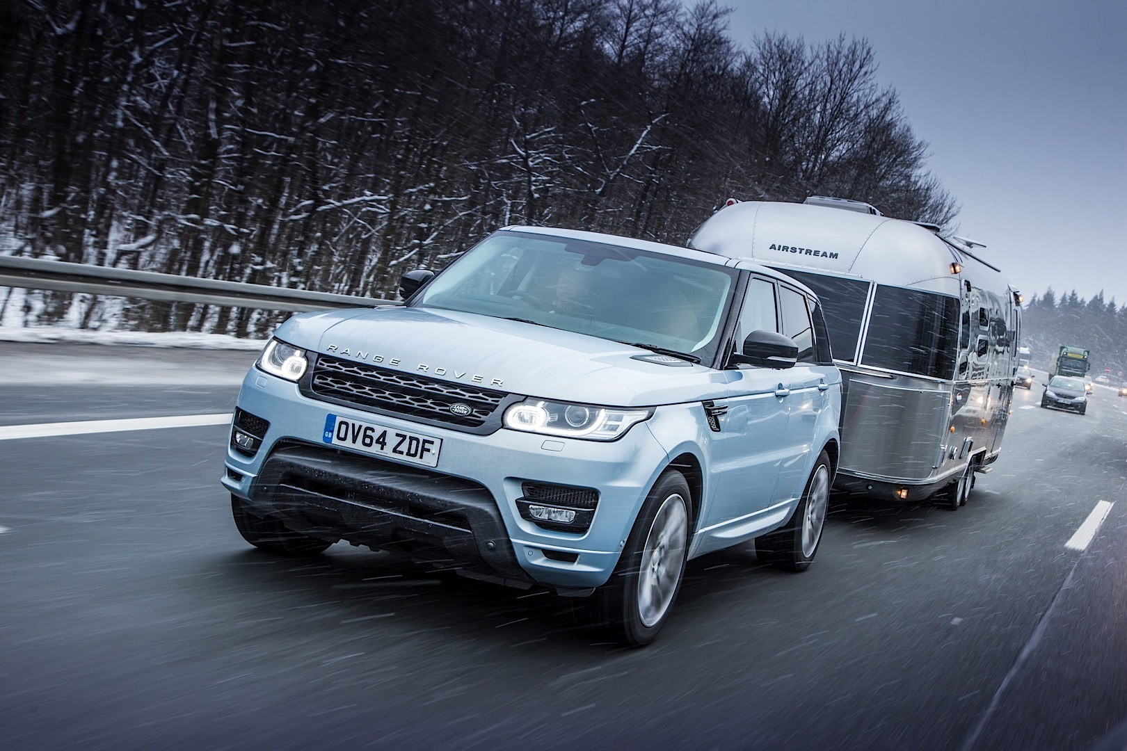 range rover sport hybrid fights severe arctic cold while dragging a trailer autoevolution. Black Bedroom Furniture Sets. Home Design Ideas