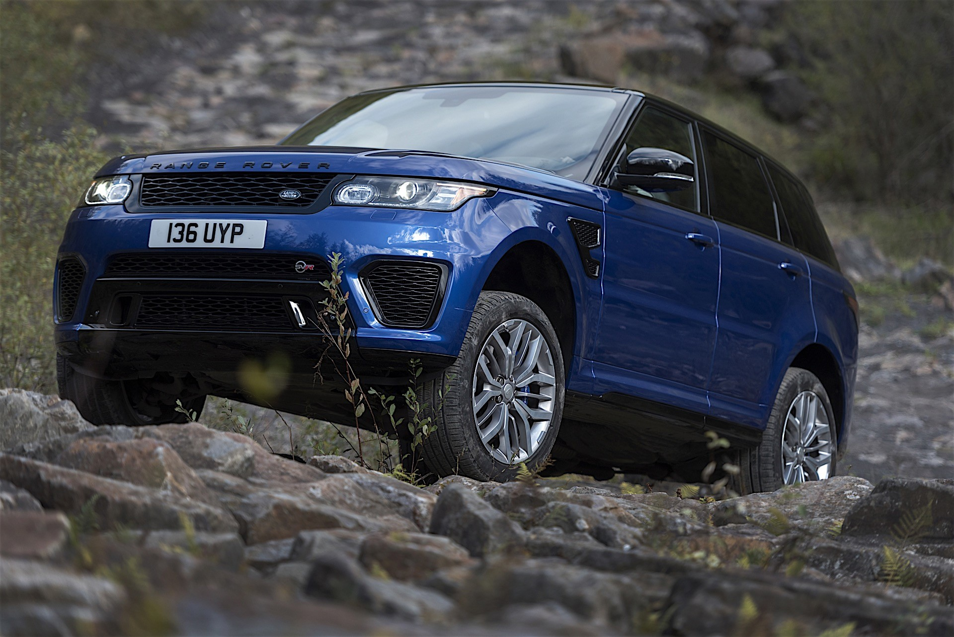 range rover sport svr official test reveals acceleration. Black Bedroom Furniture Sets. Home Design Ideas