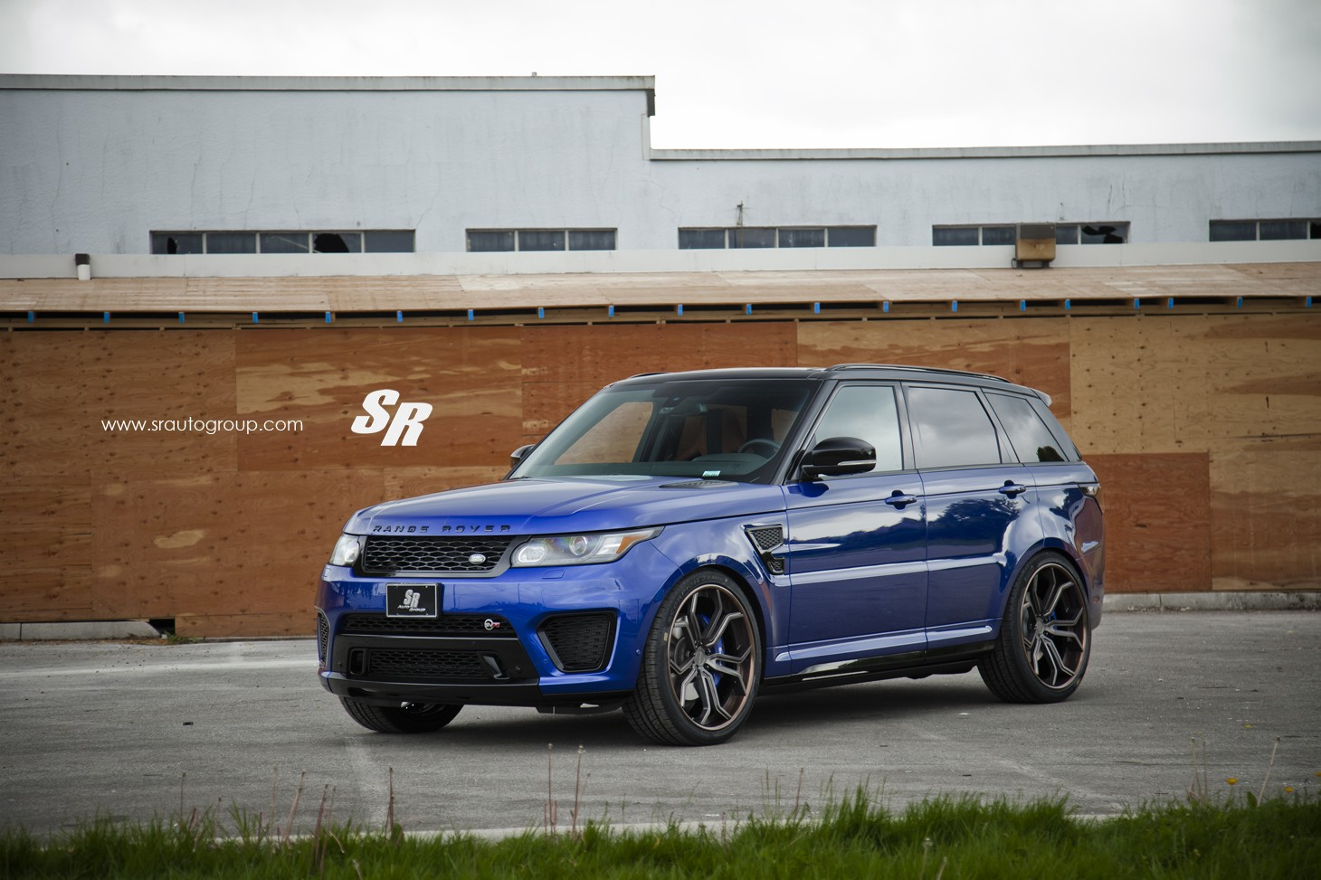 range rover sport svr on pur wheels british swag. Black Bedroom Furniture Sets. Home Design Ideas