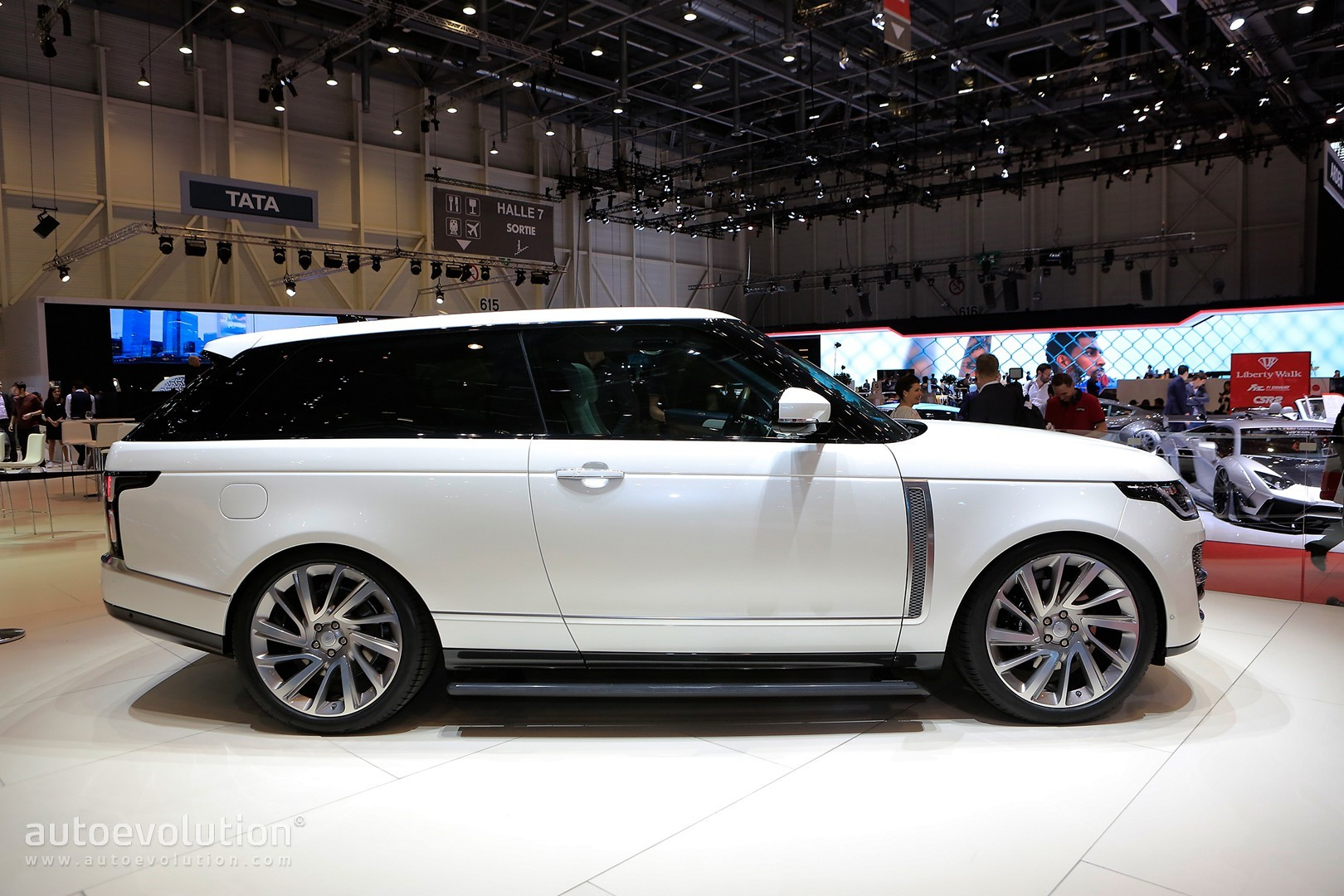 Range Rover Suv Interior >> Range Rover SV Coupe Proves Less Is More in Geneva - autoevolution