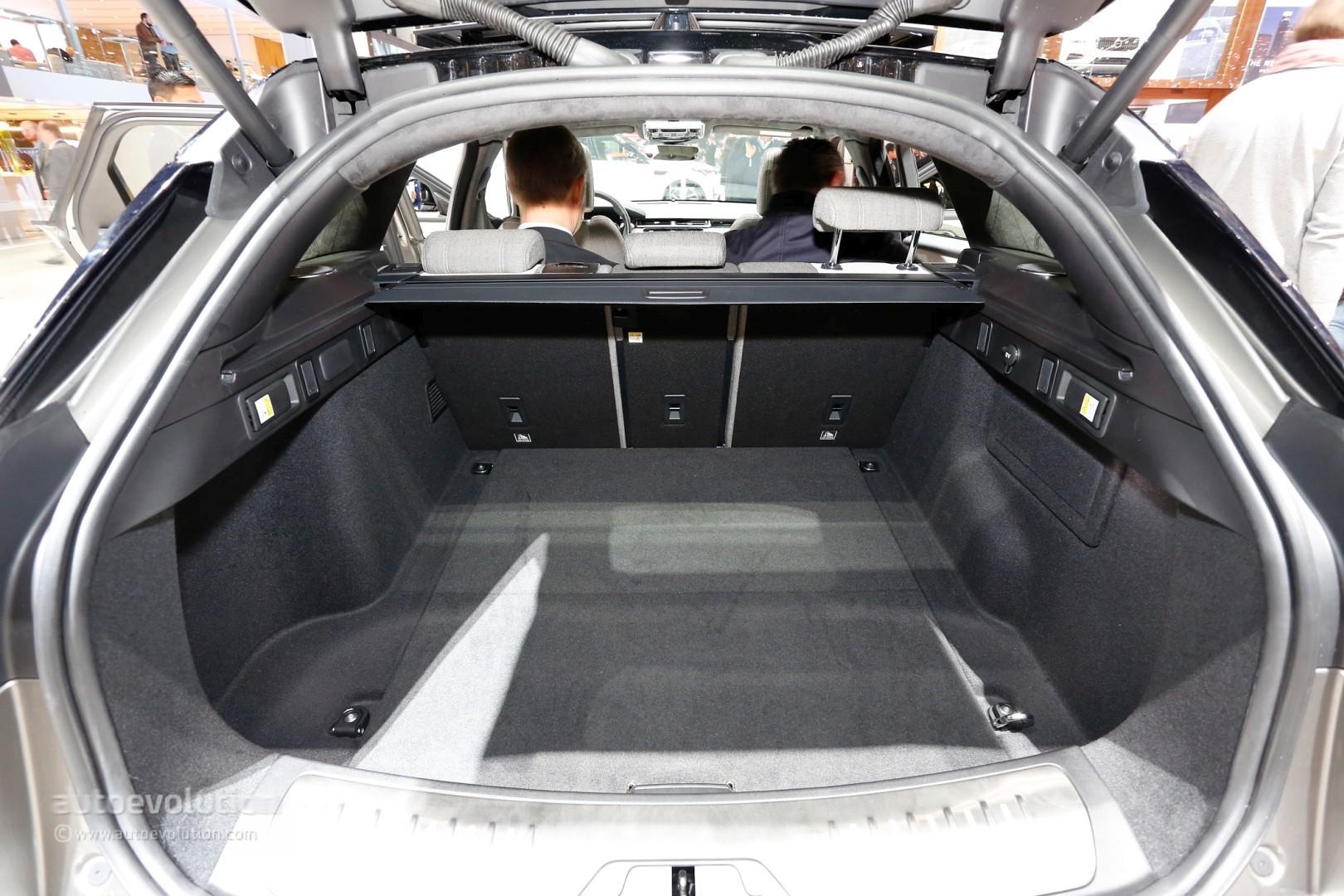Range Rover Velar Convertible Rendering Looks Like A Luxury Boat Autoevolution
