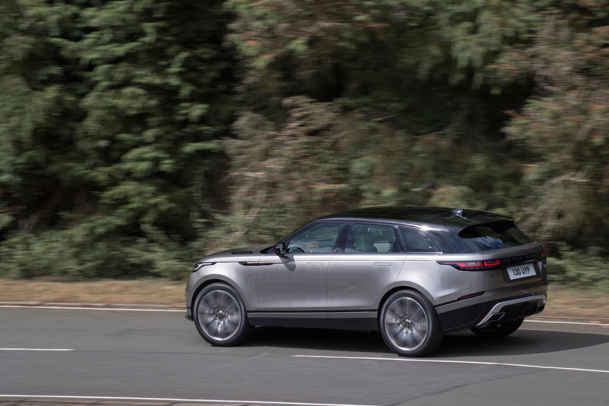 Matte Black Range Rover Hse