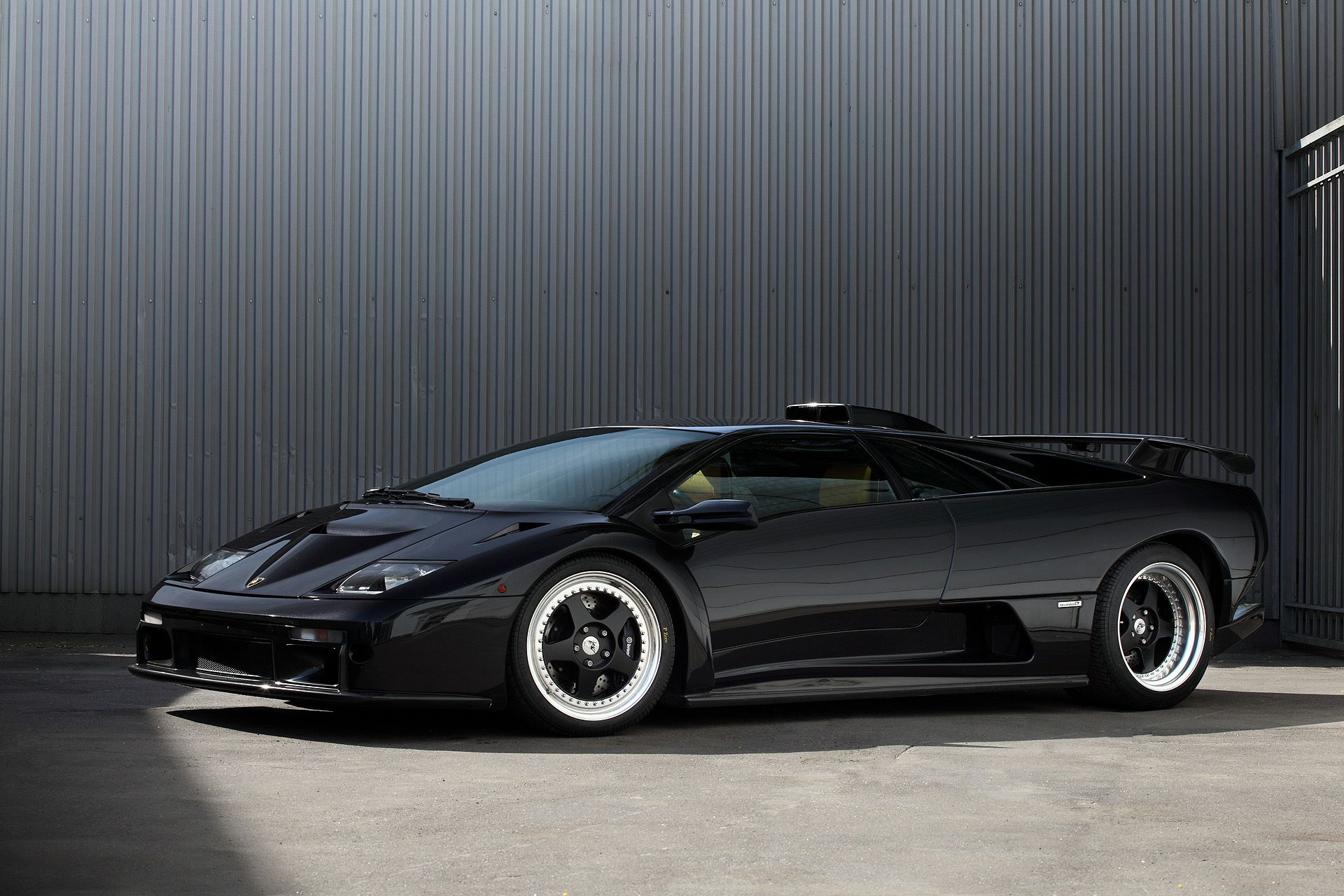 Rare Lamborghini Diablo Gt Gets Carbon Fiber Accents From