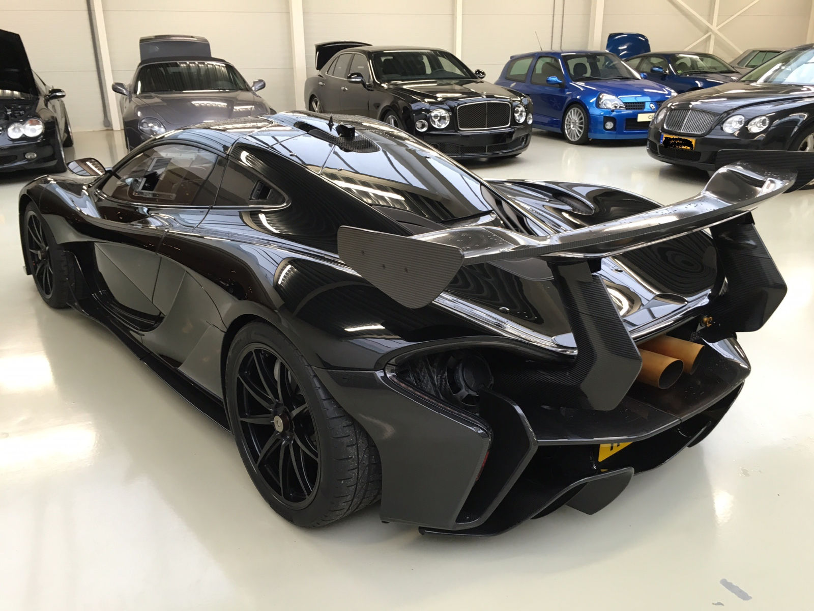 three road legal mclaren p1 gtr available for sale with low miles autoevolution. Black Bedroom Furniture Sets. Home Design Ideas