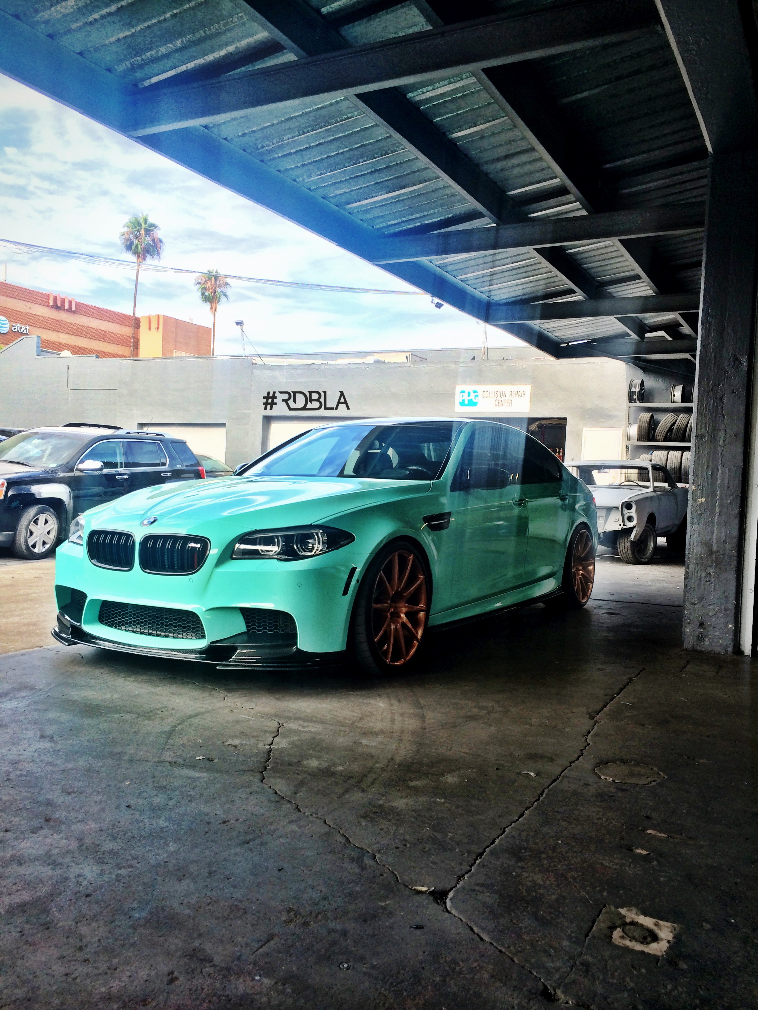 Rdb La Squeezed 660 Hp From This Wicked Bmw M5 Autoevolution