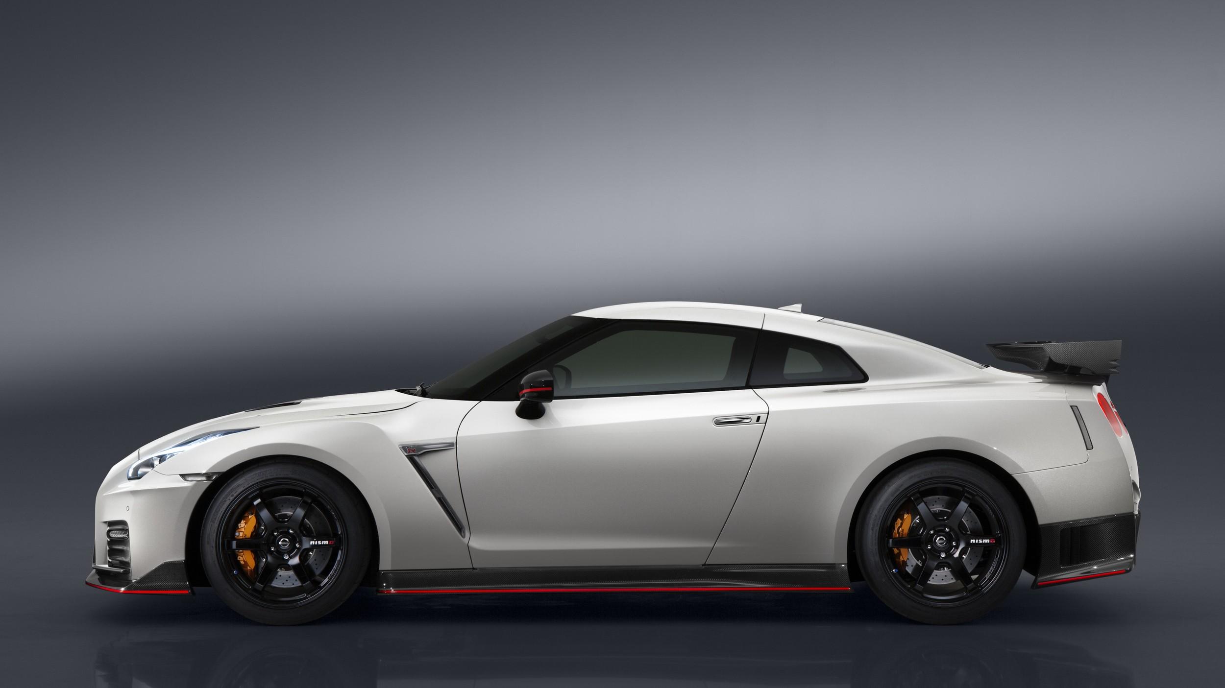 Rear-Engined Nissan GT-R Rendered as Porsche-Trolling ...