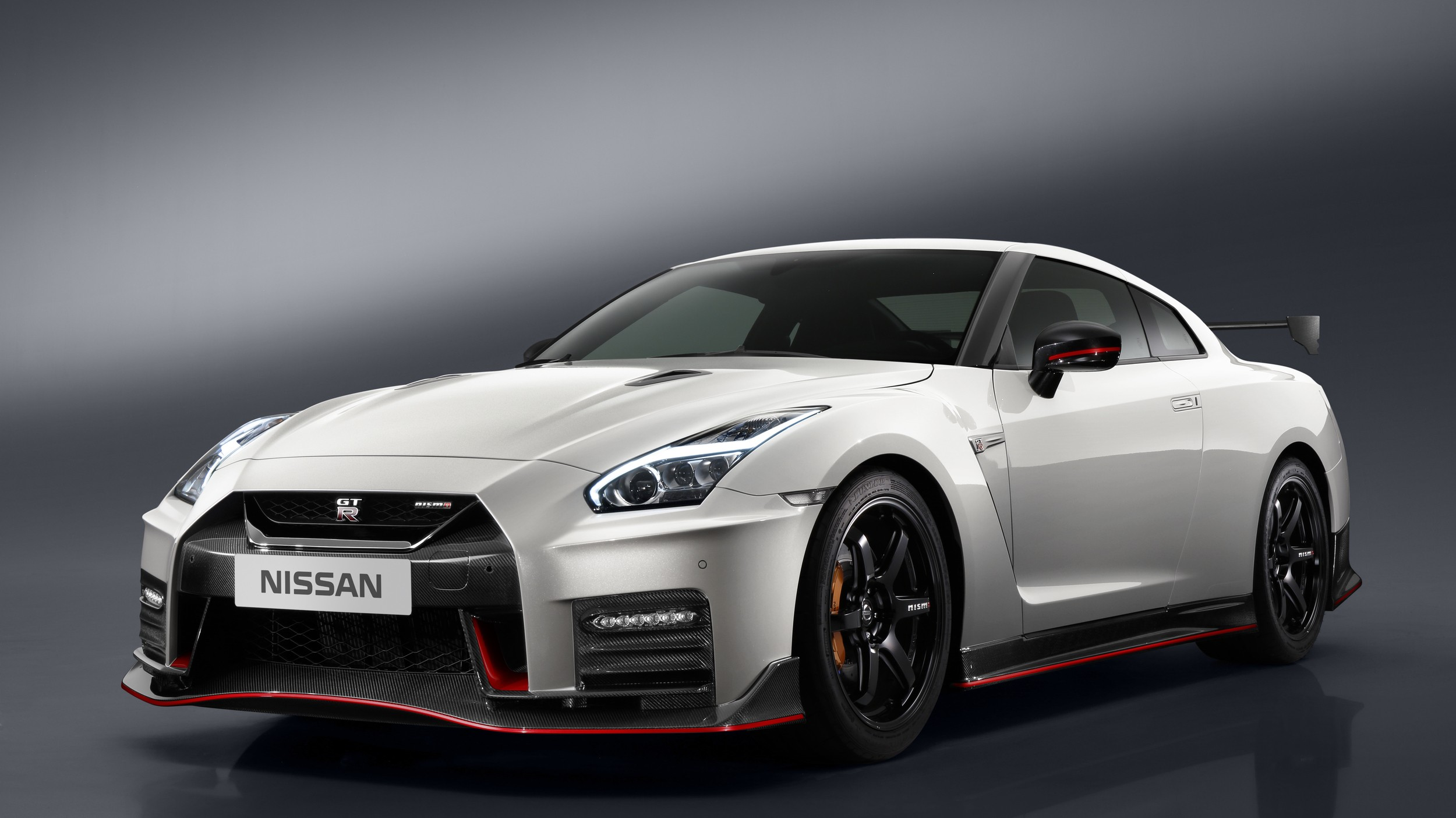 rear engined nissan gt r rendered as porsche trolling godzilla autoevolution. Black Bedroom Furniture Sets. Home Design Ideas