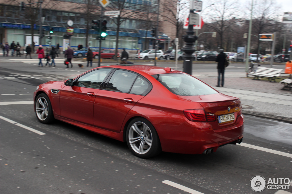 red bmw f10 m5 spotted in berlin autoevolution. Black Bedroom Furniture Sets. Home Design Ideas