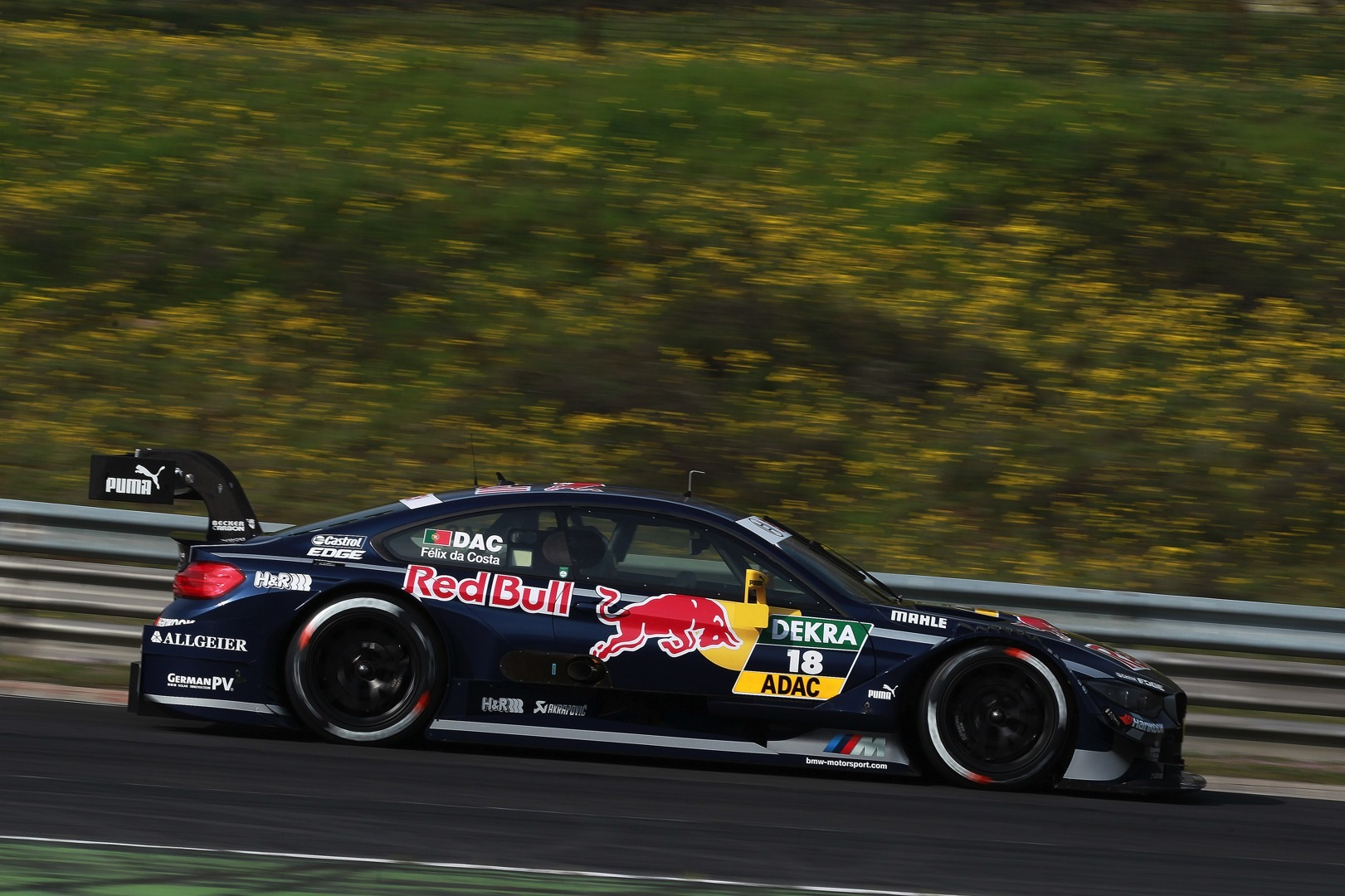red bull joins forces with bmw for 2014 dtm season autoevolution. Black Bedroom Furniture Sets. Home Design Ideas