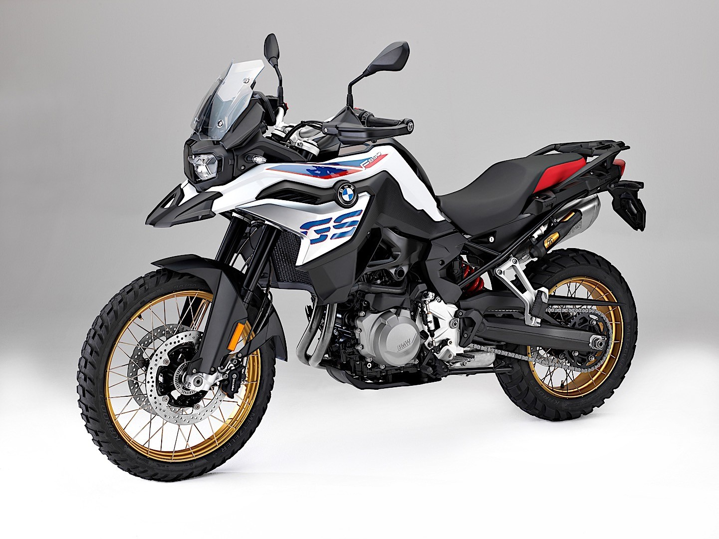 redesigned 2018 bmw f 750 gs and f 850 gs pop out at eicma. Black Bedroom Furniture Sets. Home Design Ideas