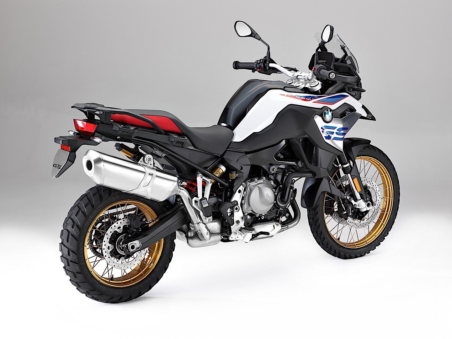 redesigned 2018 bmw f 750 gs and f 850 gs pop out at eicma autoevolution. Black Bedroom Furniture Sets. Home Design Ideas