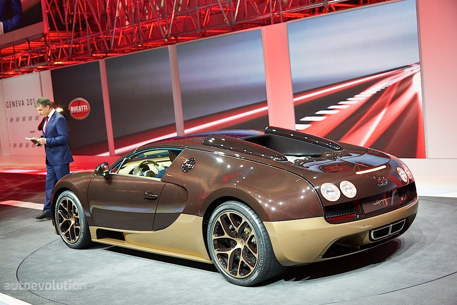 bugatti decorates geneva with veyron rembrandt live photos autoevolution. Black Bedroom Furniture Sets. Home Design Ideas