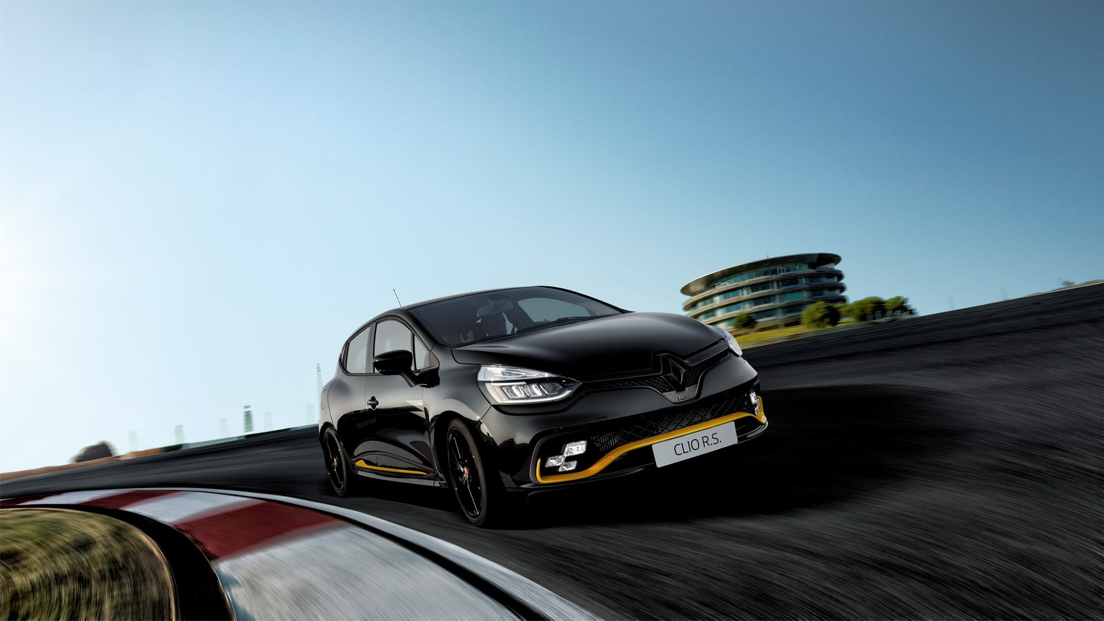 Renault Clio RS18 limited edition revealed for European market