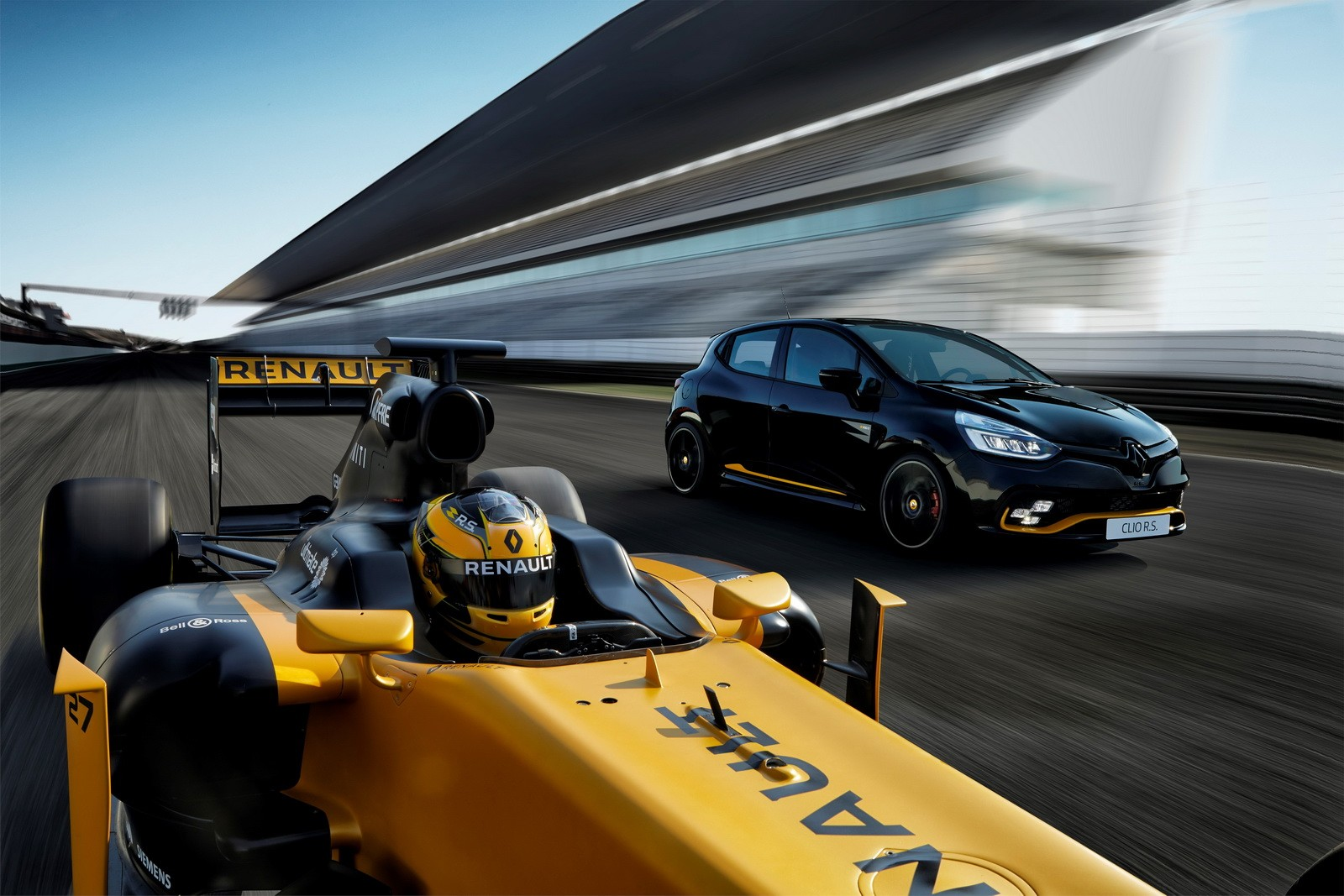 Renault Clio RS 18 Adds F1 Theme for Special Edition
