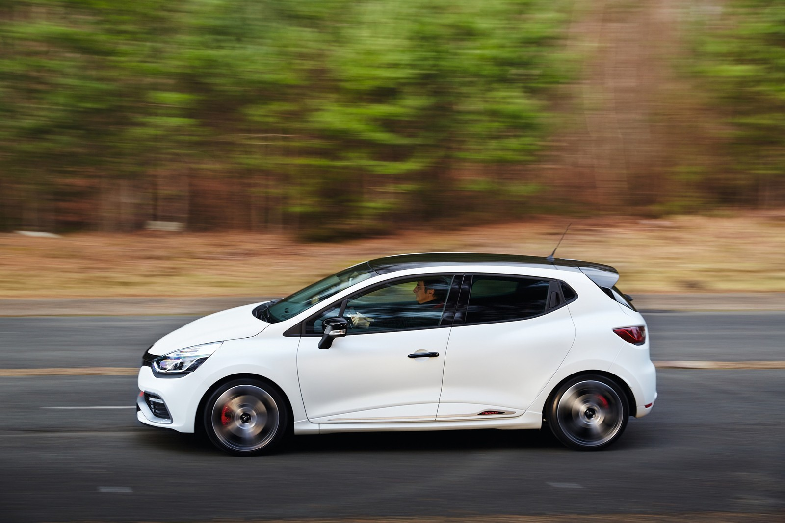 renault clio rs 220 trophy laps nurburgring in 8 23. Black Bedroom Furniture Sets. Home Design Ideas