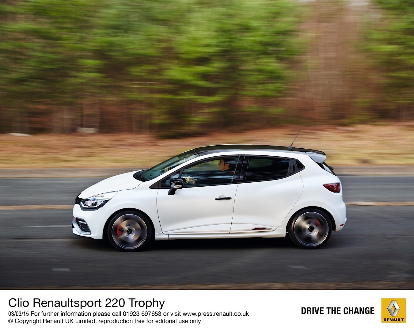 renault clio r s 220 trophy uk pricing and specs revealed