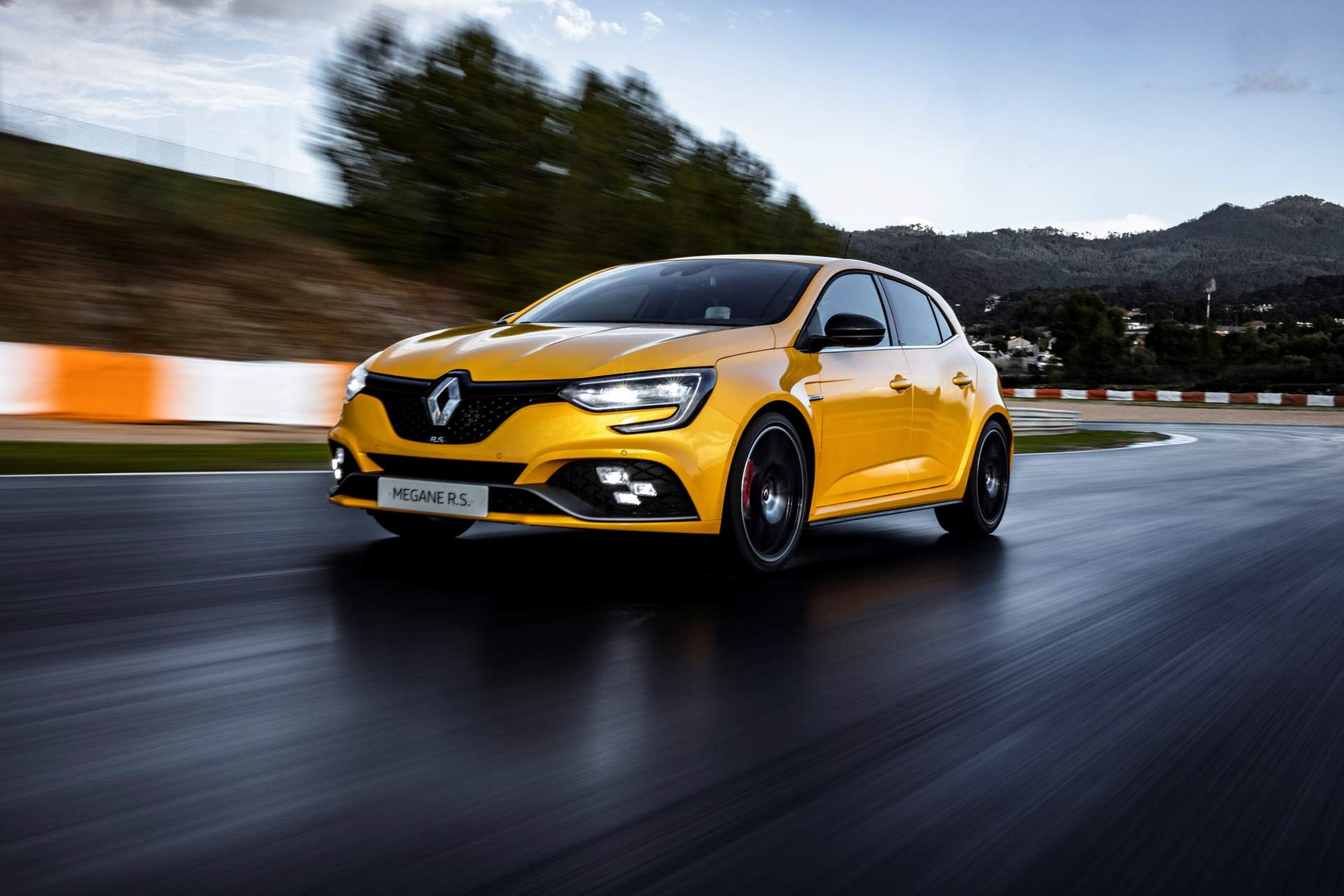 2019 renault megane rs trophy on sale in the uk for. Black Bedroom Furniture Sets. Home Design Ideas