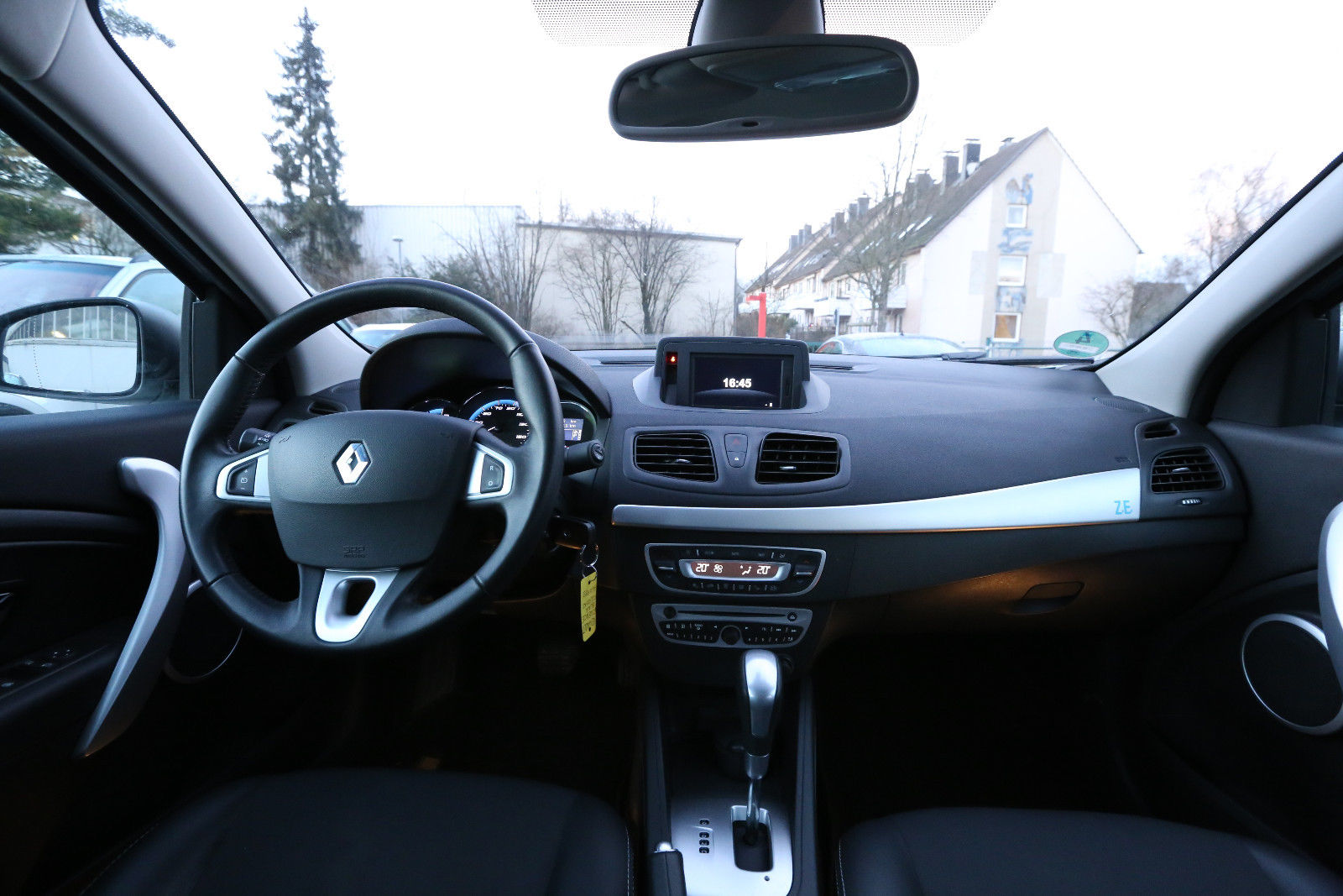 Renault Fluence Ze Could Be Europe S Cheapest Used Ev At 7 000