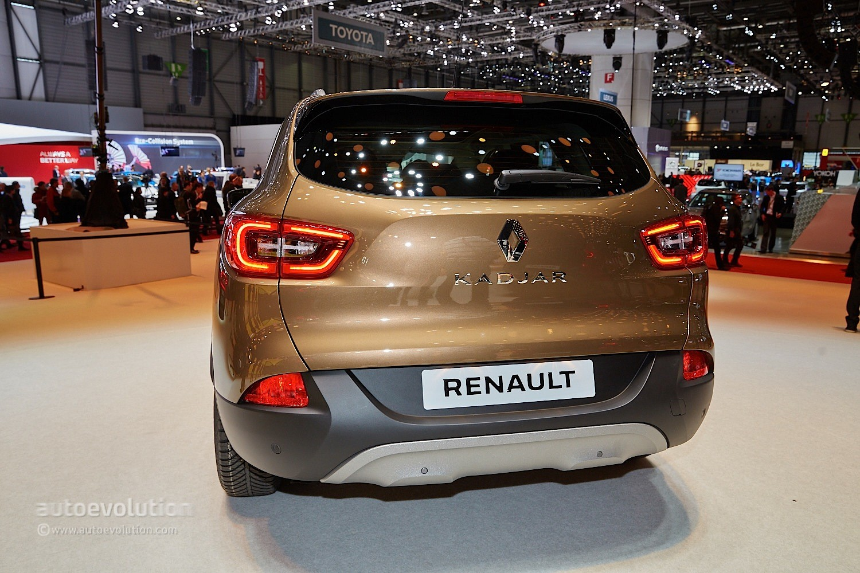 Renault Kadjar Crossover Shows Disappointing Interior At