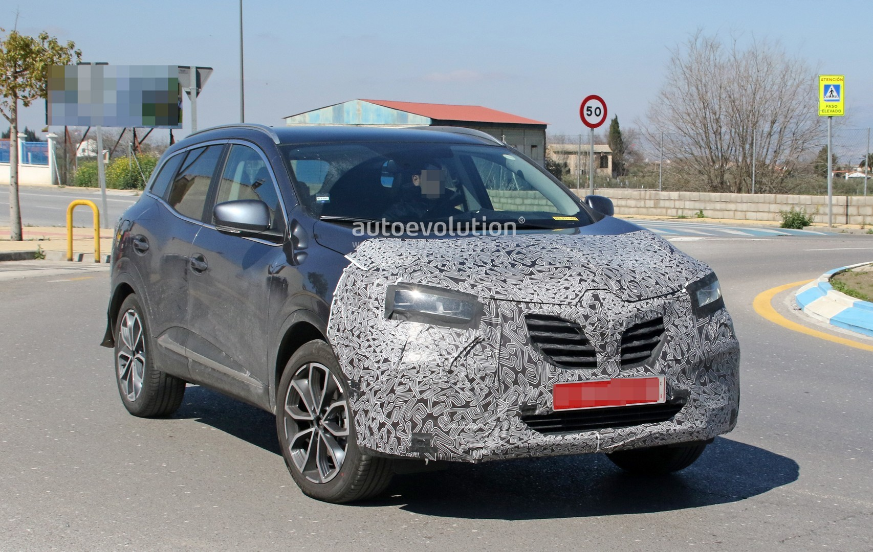 renault kadjar facelift spied for the first time. Black Bedroom Furniture Sets. Home Design Ideas