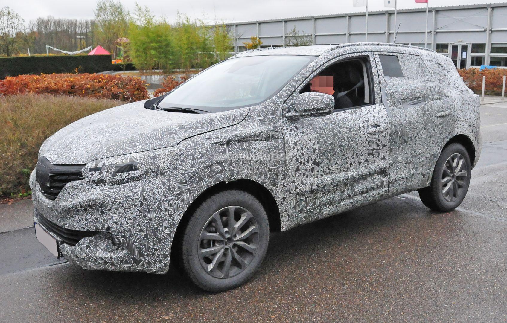 Spy Video 2016 Renault Racoon Crossover Suv Filmed In Germany